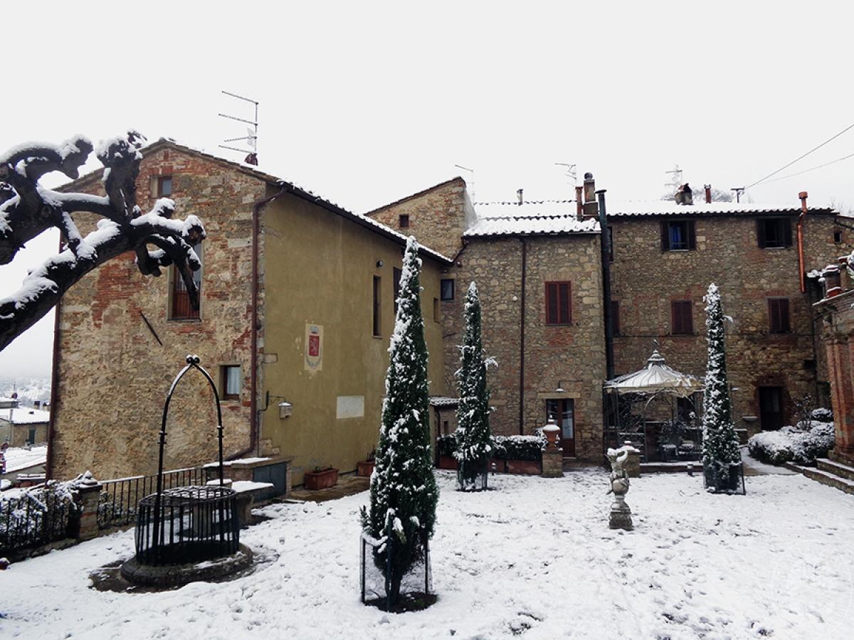 Parte di edificio storico a SARTEANO in Via dei Lecci 0