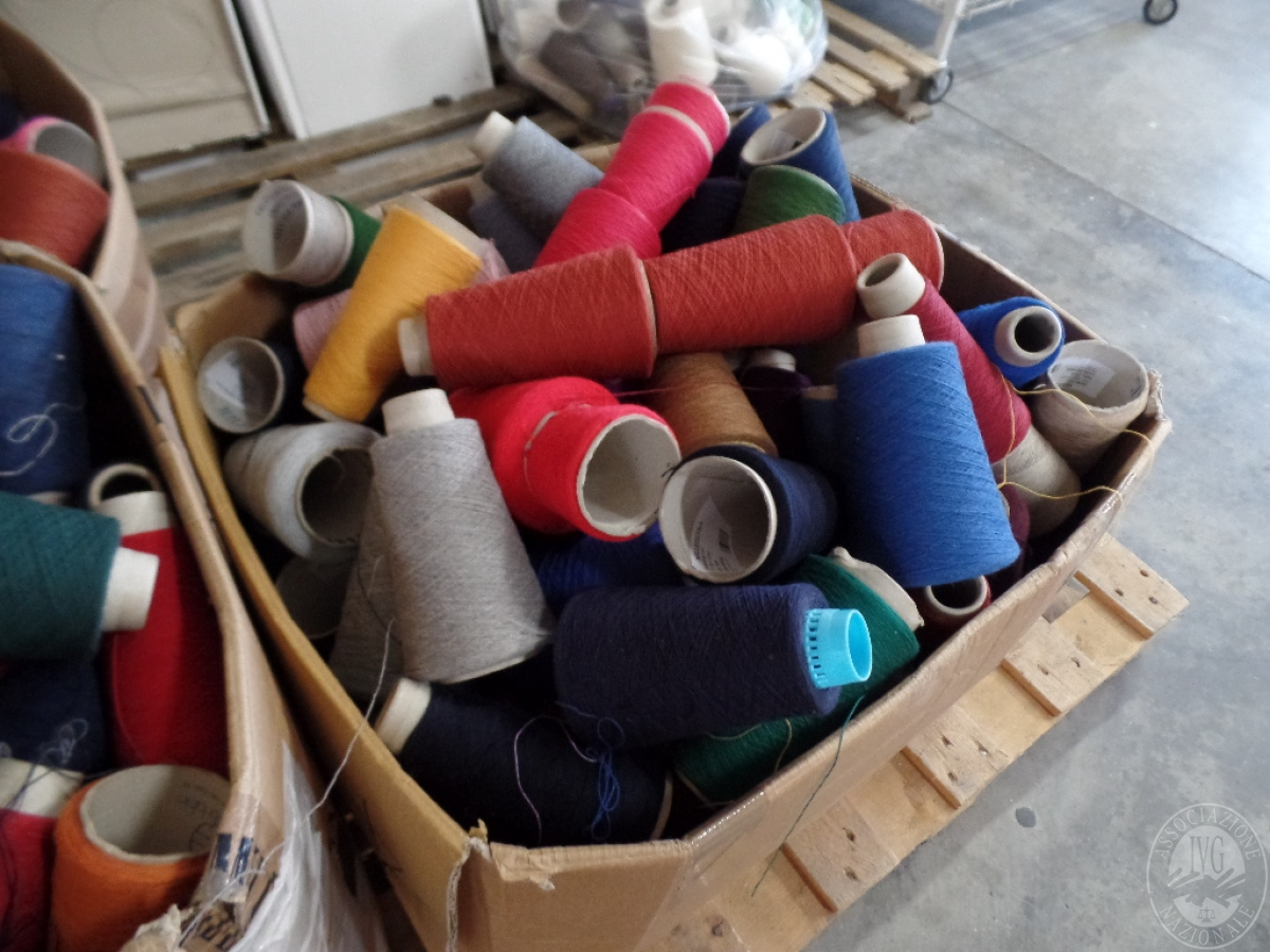Macchine per cucire + filato   VENDITA ONLINE 11