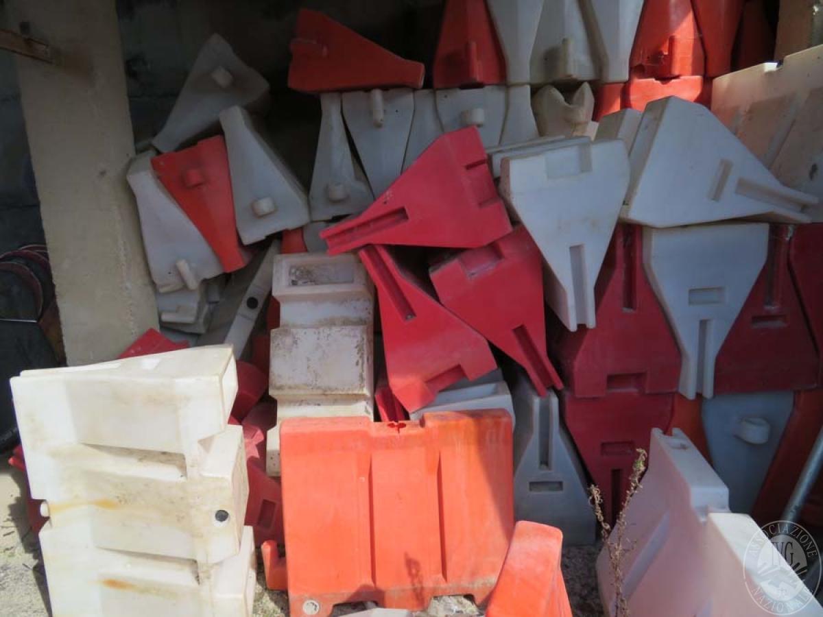 Rimanenze di materiale da costruzione + new jersey vari   VENDITA ONLINE 4