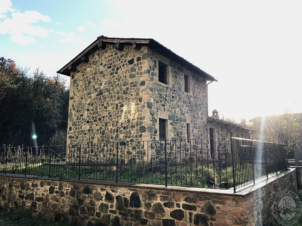 Appartamento a GAIOLE IN CHIANTI in loc. Molino di Monteluco - Lotto 1 1