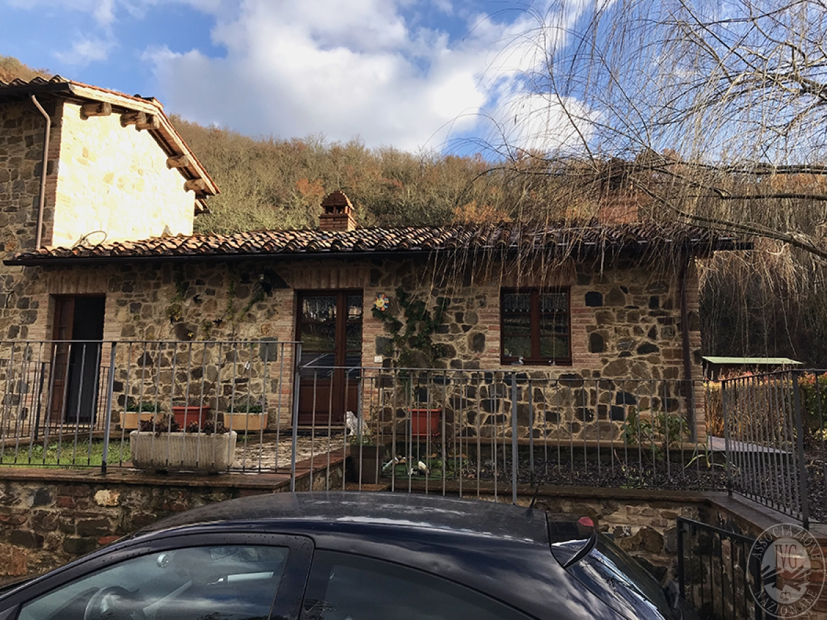 Appartamento a GAIOLE IN CHIANTI in loc. Molino di Monteluco - Lotto 2 1