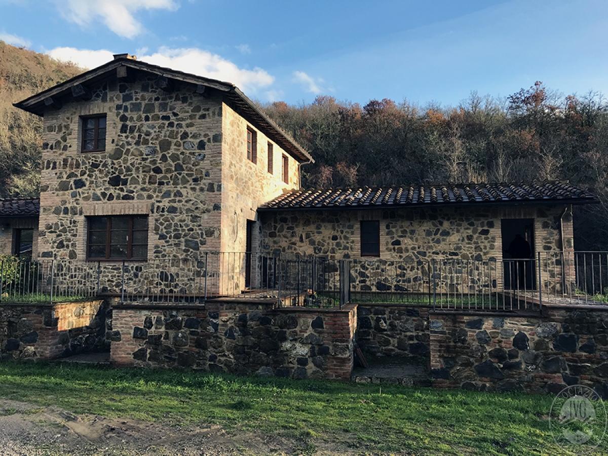 Appartamento a GAIOLE IN CHIANTI in loc. Molino di Monteluco - Lotto 4 1