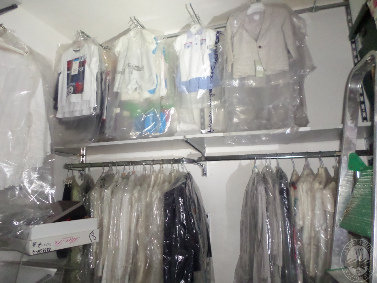 Abbigliamento Bambino/a NUOVO da esposizione   VENDITA ONLINE 27