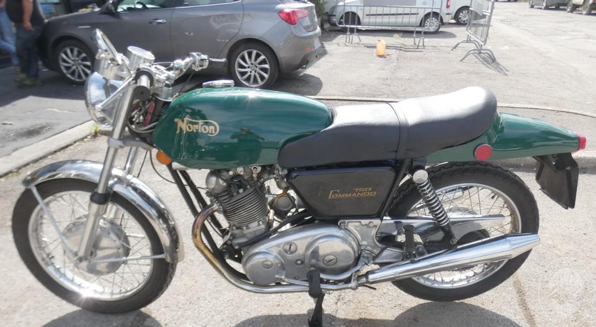 Motociclo Norton Commando 750 anno 1971   GARA DI VENDITA SABATO 7 DICEMBRE 2019 5
