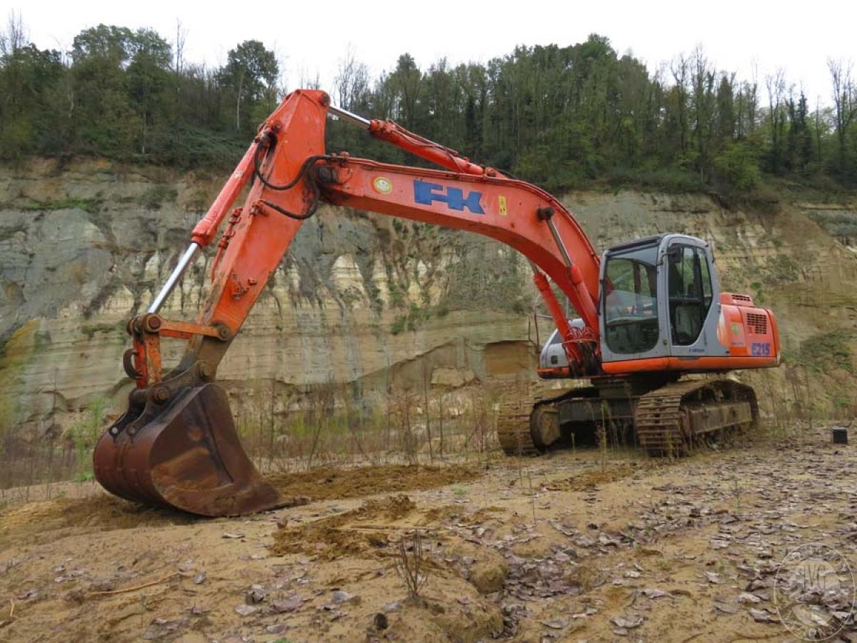 Escavatore Fiat Kobelco E215   GARA DI VENDITA SABATO 7 DICEMBRE 2019  VISIBILE IN SAN GIOVANNI VALDARNO (AR) 1