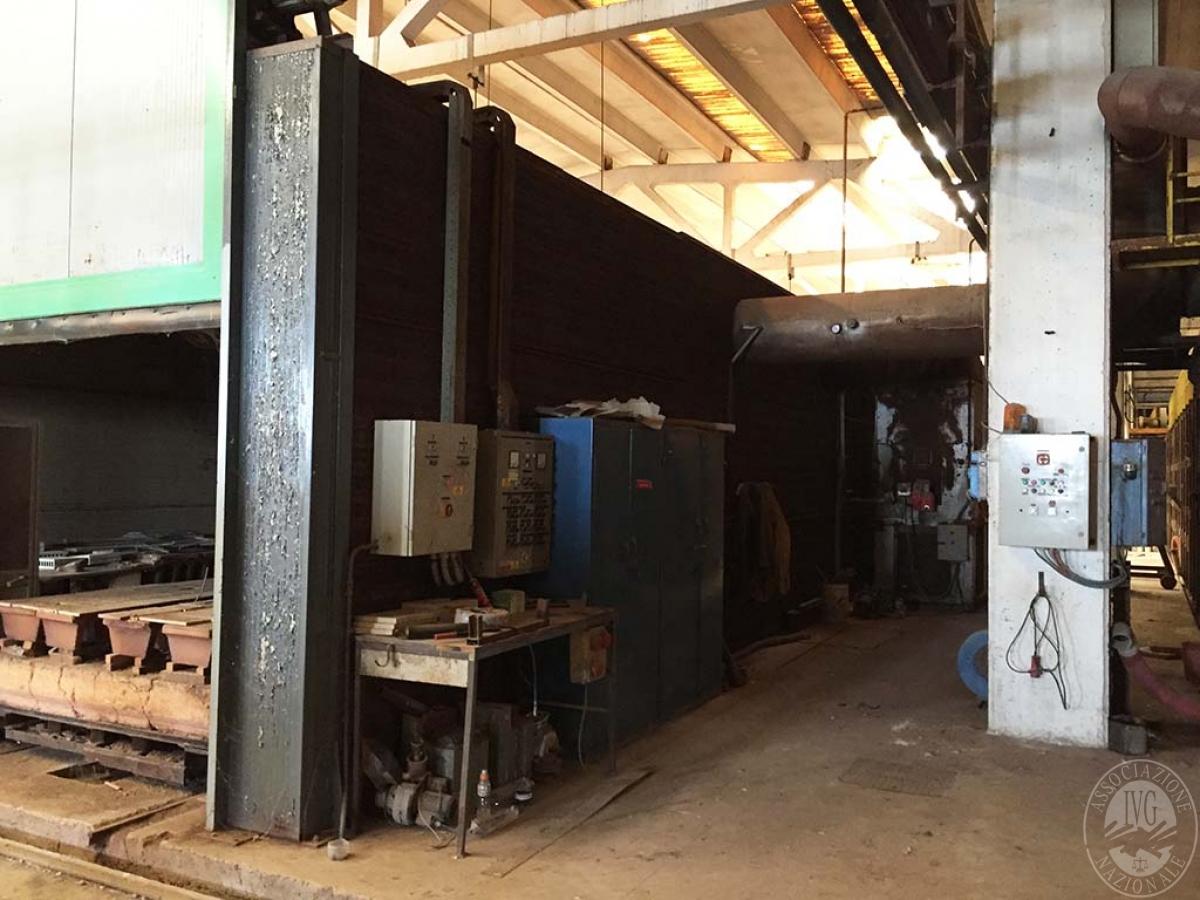 Complesso industriale a RADICOFANI in Zona Produttiva Val di Paglia 6
