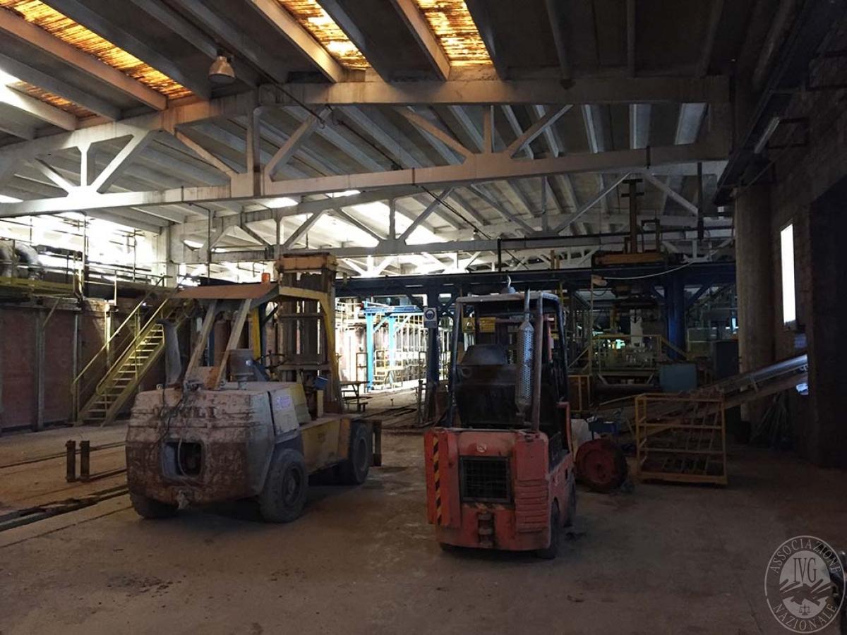 Complesso industriale a RADICOFANI in Zona Produttiva Val di Paglia 9