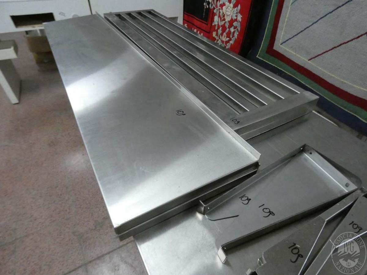 Rif. 109) N. 4 mensole in acciaio inox   GARA DI VENDITA SABATO 8 FEBBRAIO 2020 4