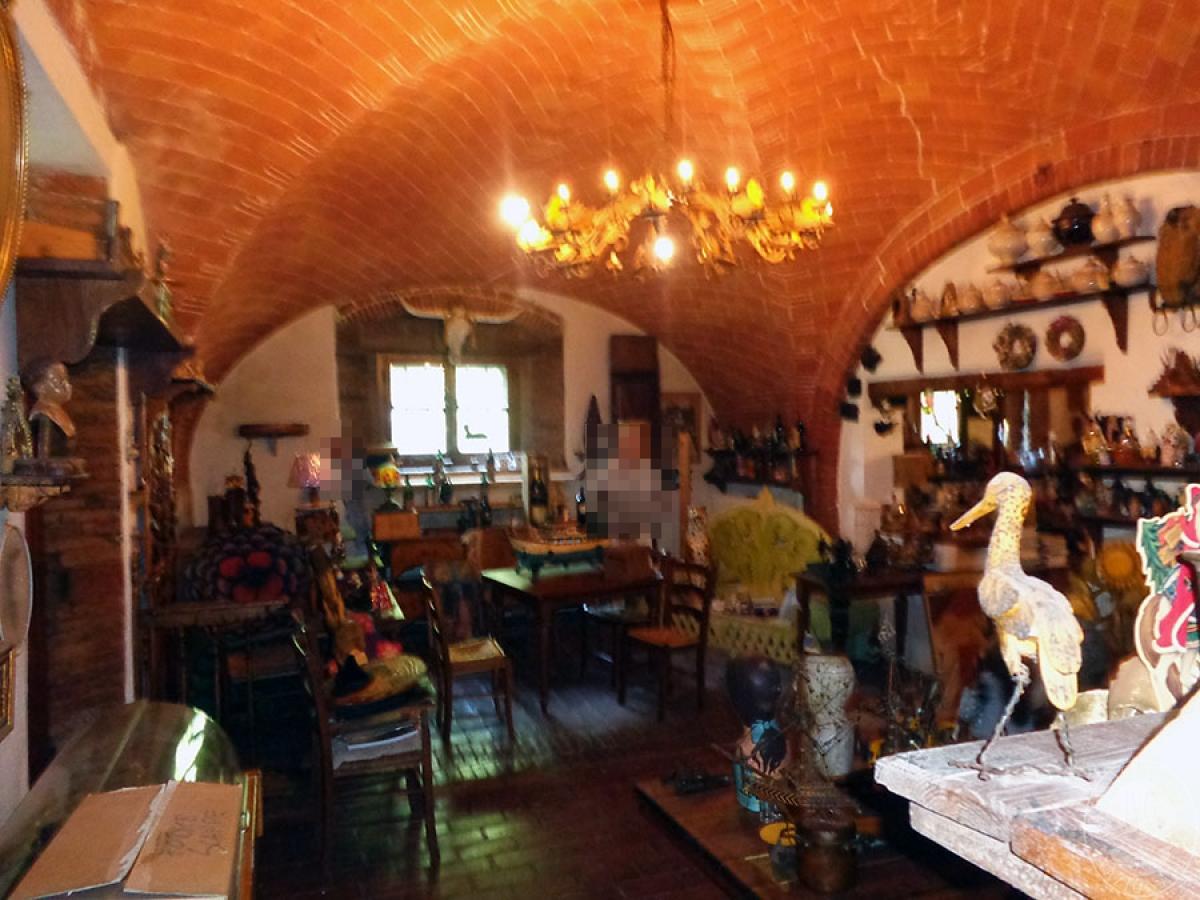 Appartamento, ristorante, terreni a MARCIANO DELLA CHIANA in Via dell'Esse 33