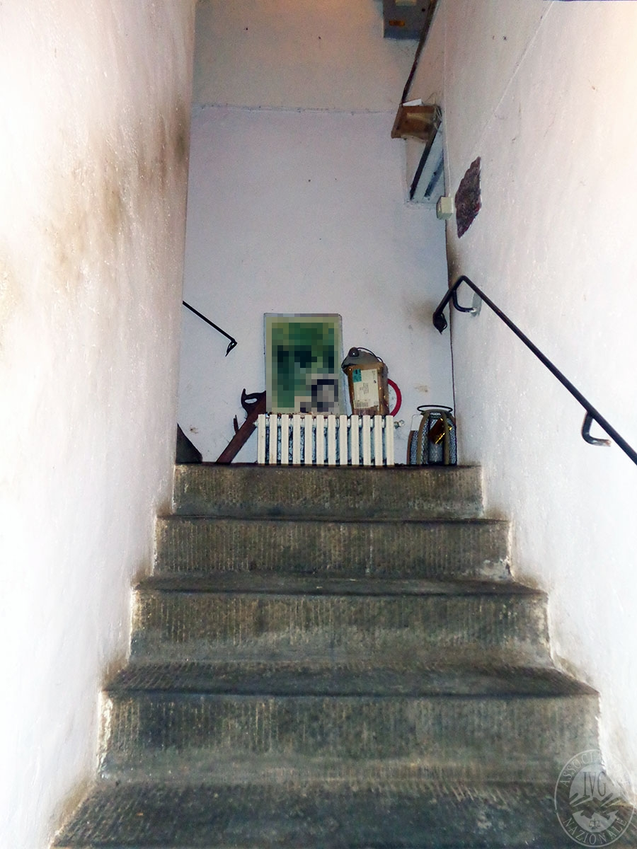Appartamento, ristorante, terreni a MARCIANO DELLA CHIANA in Via dell'Esse 39