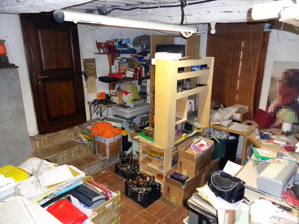 Appartamento, ristorante, terreni a MARCIANO DELLA CHIANA in Via dell'Esse 40
