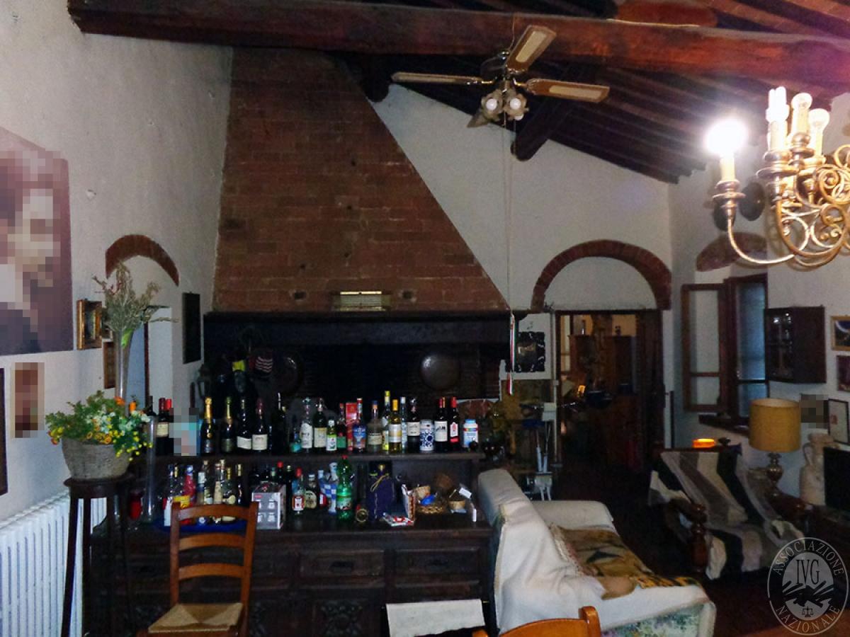 Appartamento, ristorante, terreni a MARCIANO DELLA CHIANA in Via dell'Esse 48