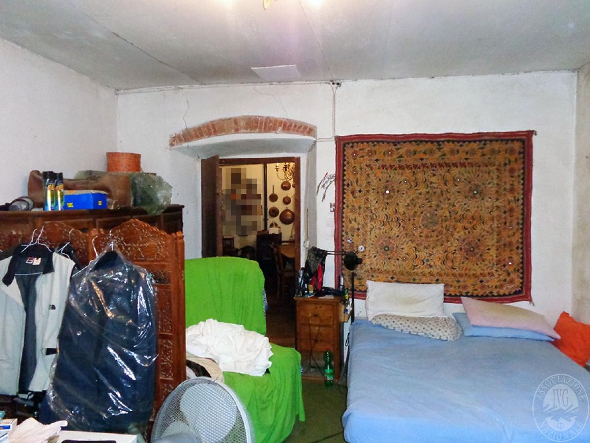 Appartamento, ristorante, terreni a MARCIANO DELLA CHIANA in Via dell'Esse 50