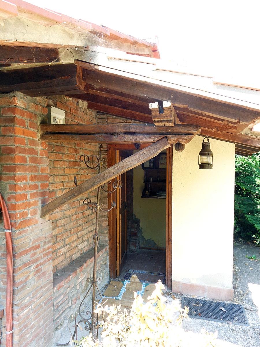 Appartamento, ristorante, terreni a MARCIANO DELLA CHIANA in Via dell'Esse 54