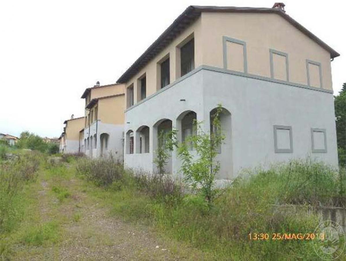 Area edificabile con complesso edilizio a LUCIGNANO, via del Lavatoio - LOTTO 7