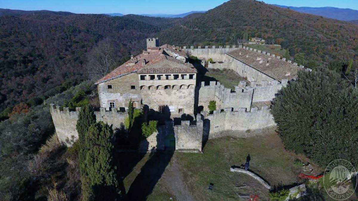 Castello ad AREZZO in loc. Battifolle 2
