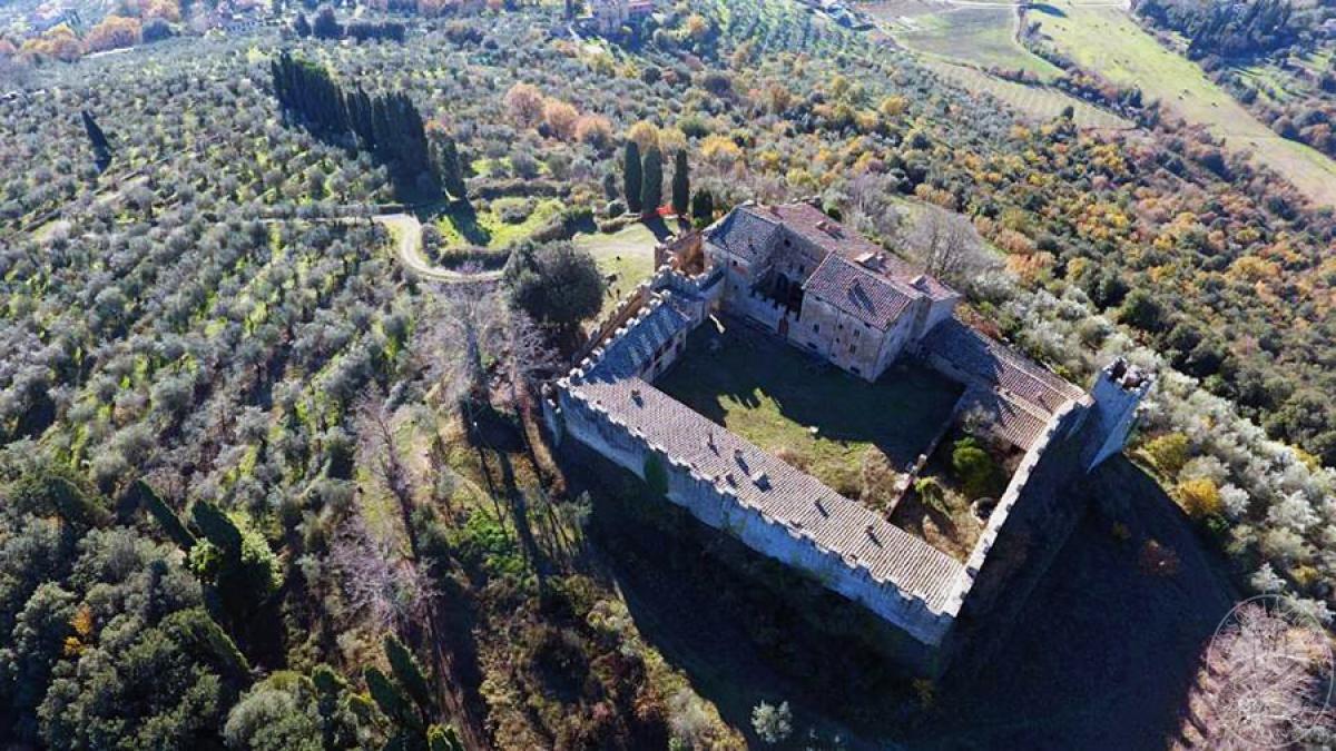 Castello ad AREZZO in loc. Battifolle 5