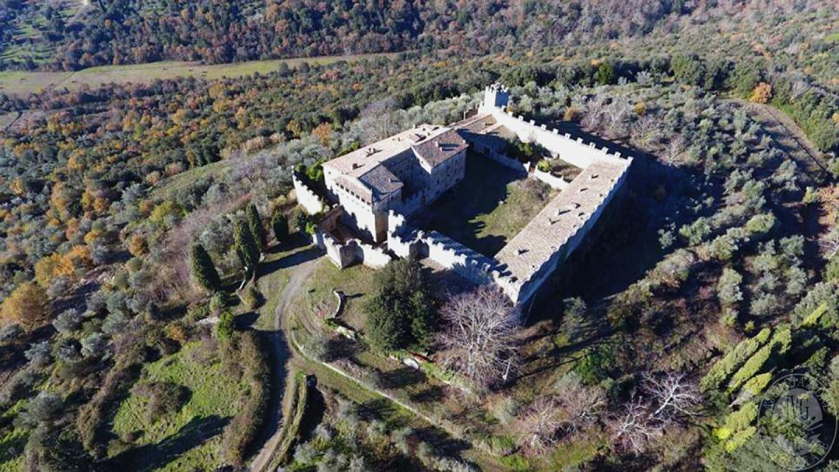 Castello ad AREZZO in loc. Battifolle 4