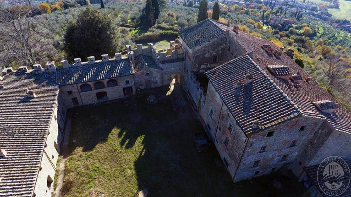Castello ad AREZZO in loc. Battifolle 8