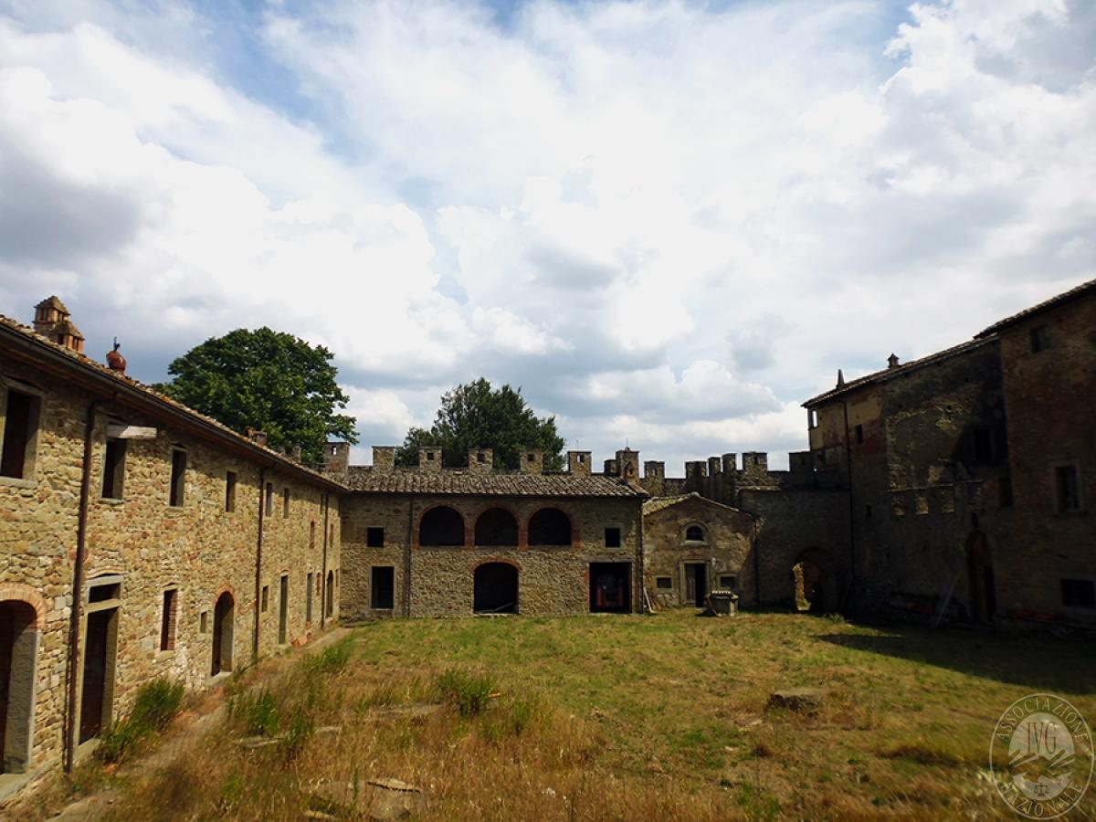 Castello ad AREZZO in loc. Battifolle 12
