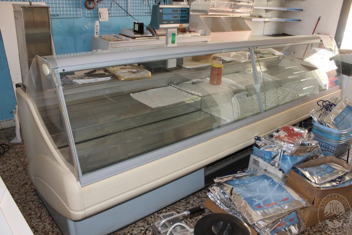 Arredamento per negozio di alimentari