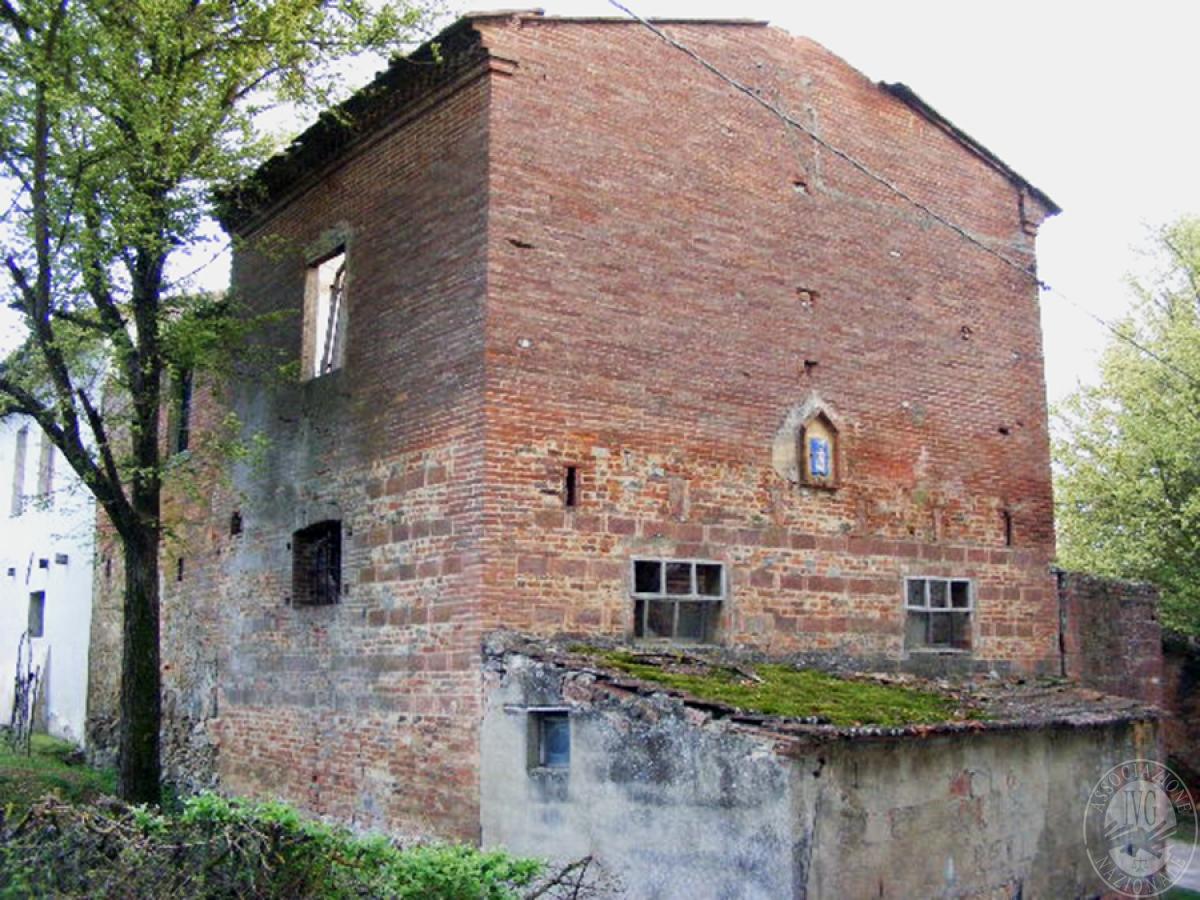 Fabbricati rurali e terreni in FOIANO DELLA CHIANA in Via Renaia - Lotto 2