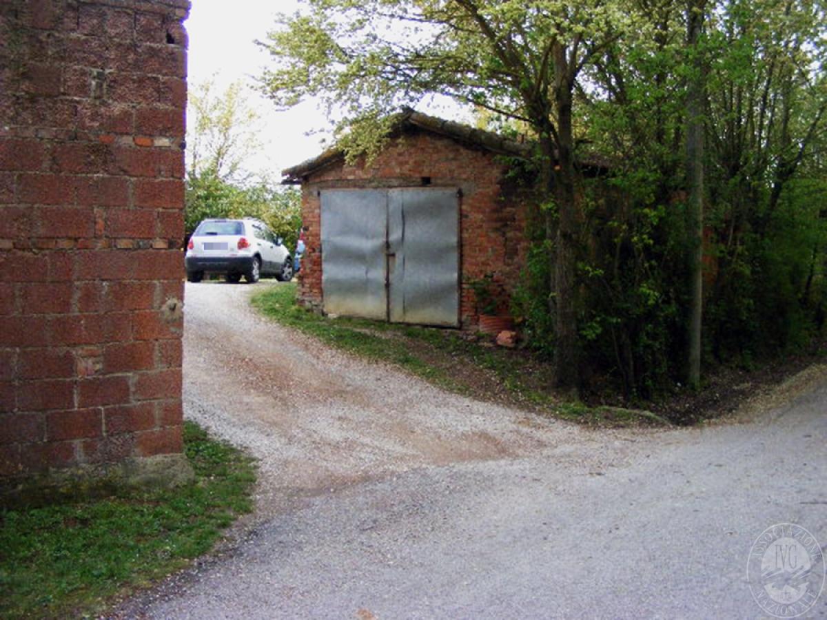 Fabbricati rurali e terreni in FOIANO DELLA CHIANA in Via Renaia - Lotto 2 1