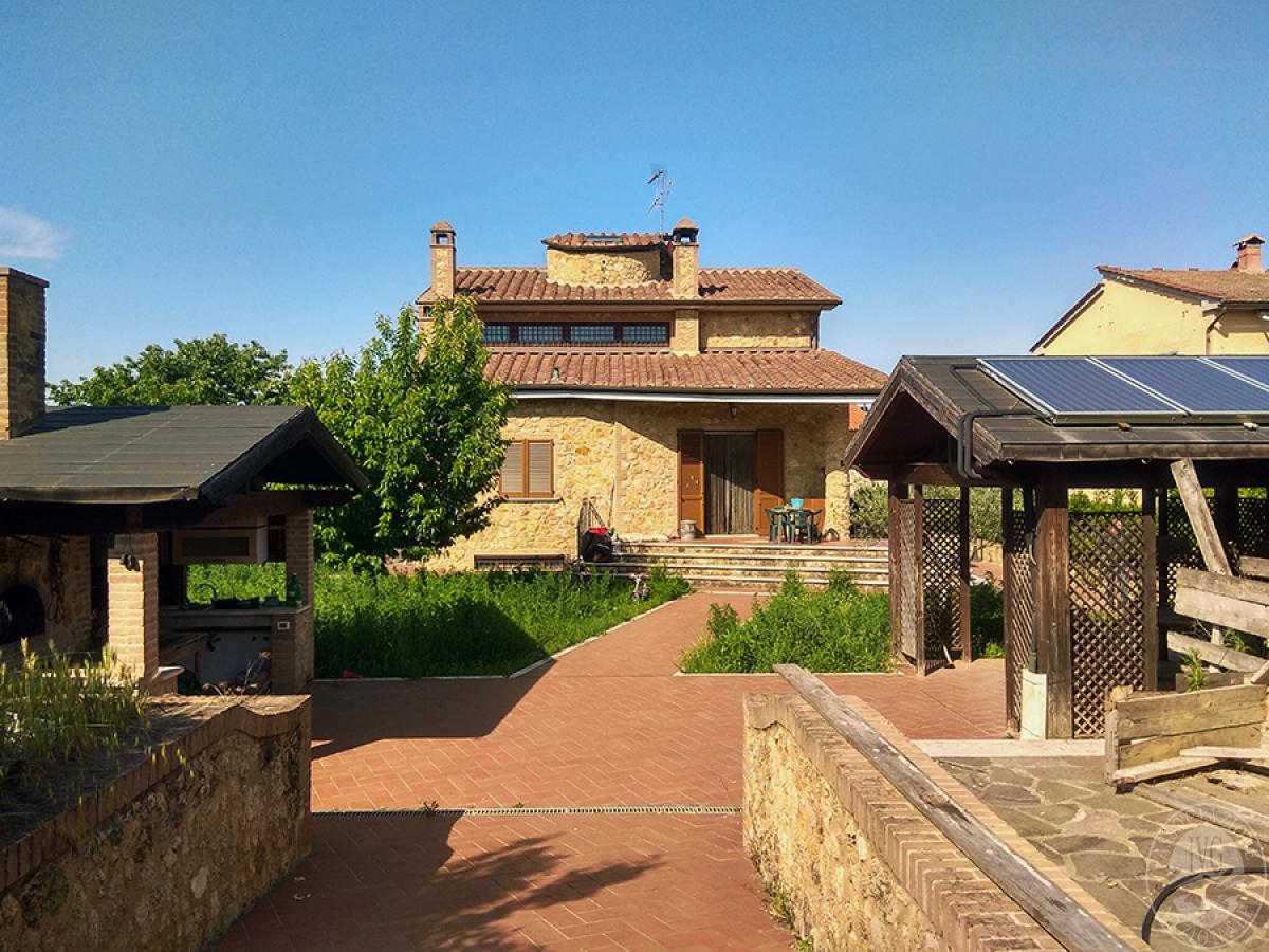 Villa a COLLE DI VAL D'ELSA in Via di Casabassa
