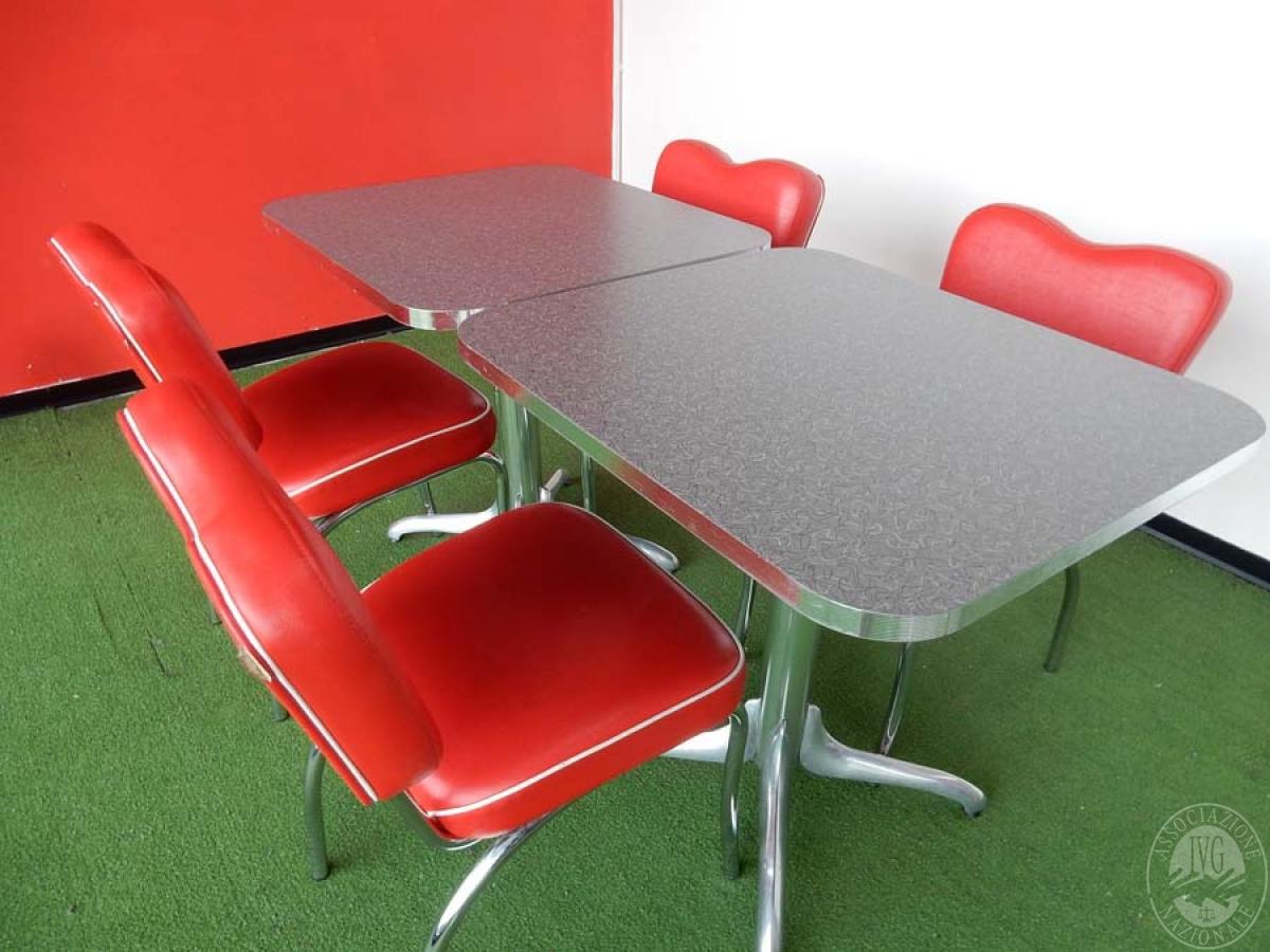 Rif. 39 + 41 A) N. 2 tavoli quadrati + 4 sedie  VENDITA ONLINE 22 LUGLIO 2020