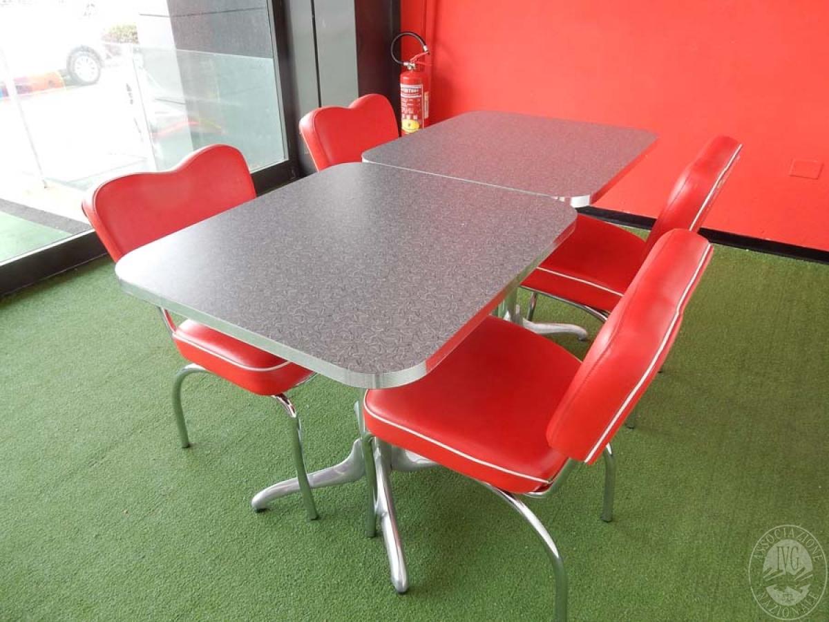 Rif. 39 + 41 B) N. 2 tavoli quadrati + 4 sedie  VENDITA ONLINE 22 LUGLIO 2020