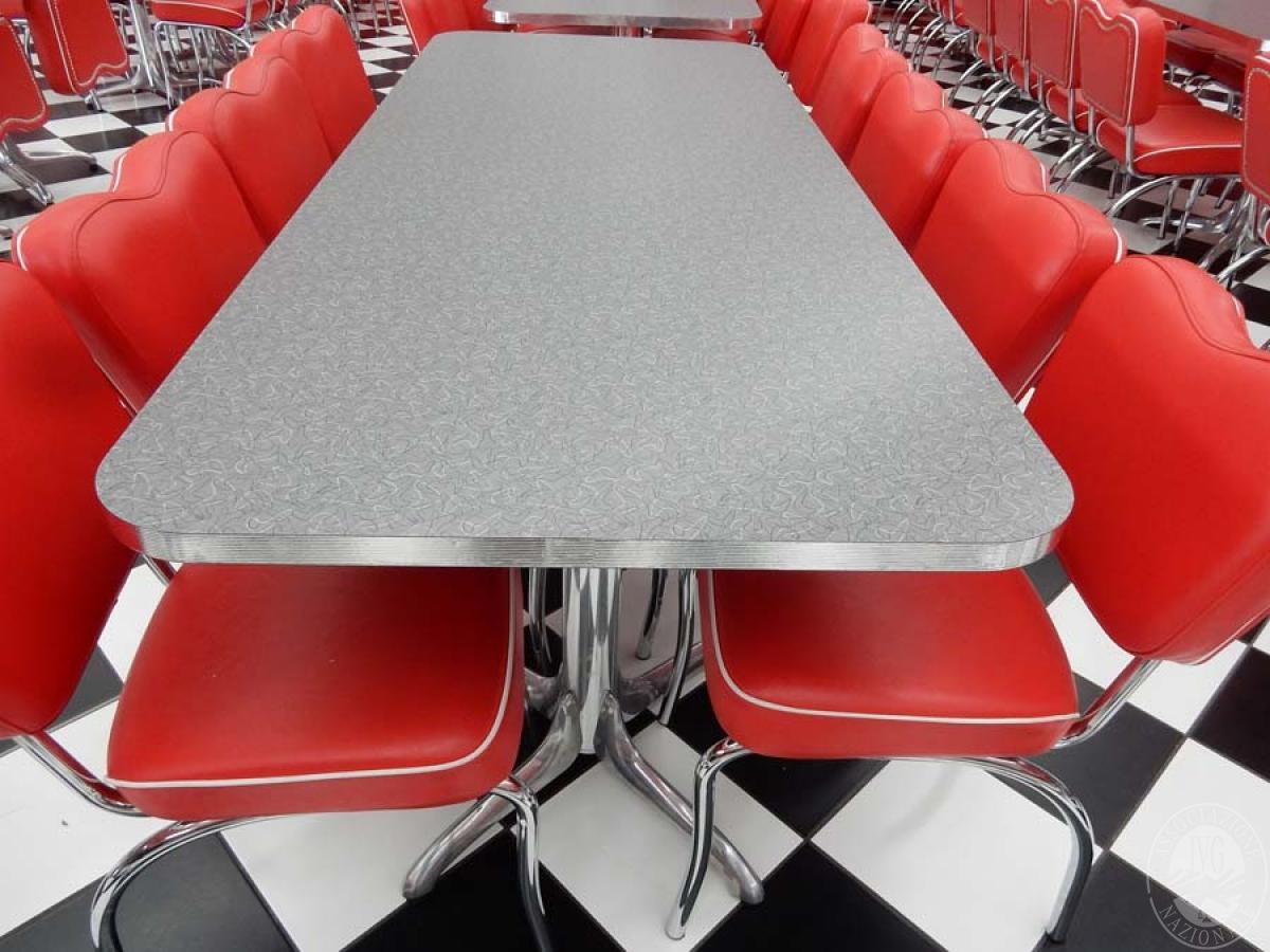 Rif. 39 + 41 B) Tavolo rettangolare + 8 sedie   VENDITA ONLINE 24 LUGLIO 2020
