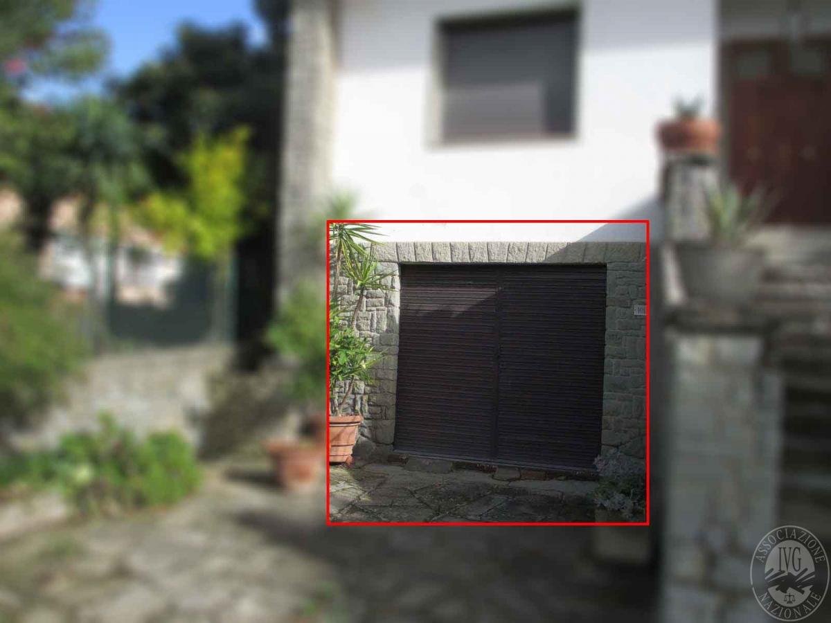 Locale garage in CASTIGLION FIORENTINO, via Umbro Casentinese - LOTTO 2