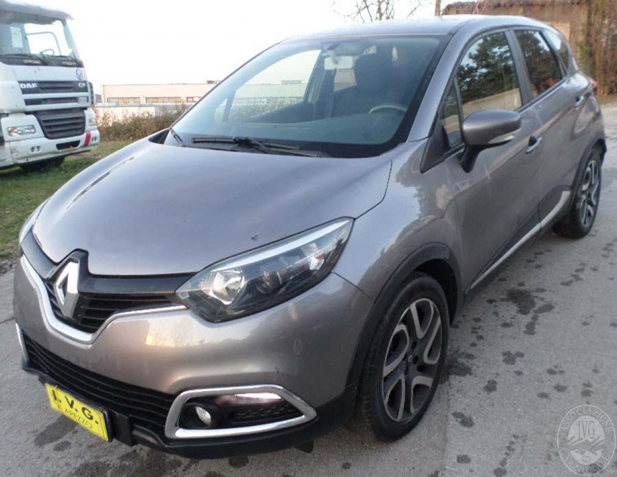 Renault Captur anno 2013   GARA DI VENDITA 6 APRILE 2019