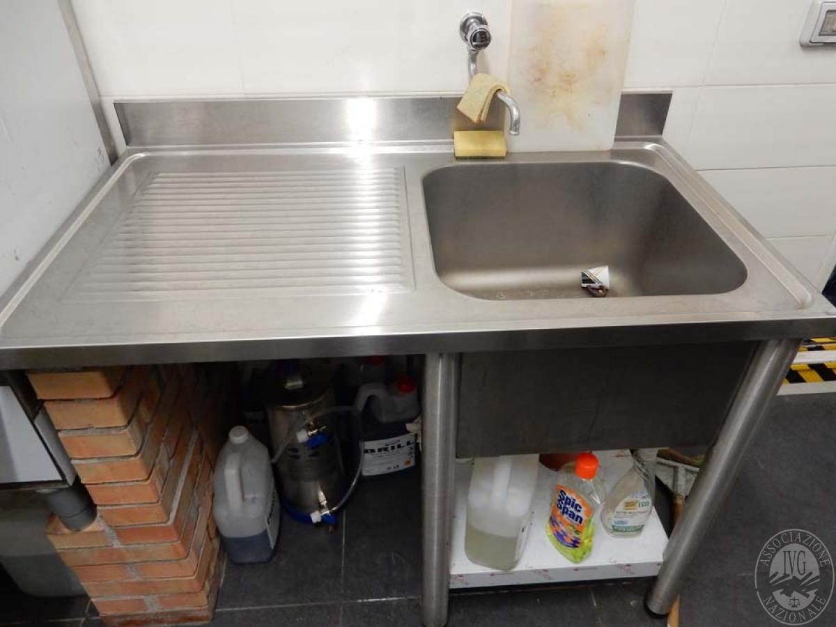 Rif. 38 + 39) Lavandino in acciaio inox + lavabicchieri   GARA DI VENDITA 2 FEBBRAIO 2019  VISIBILE IN MONTEPULCIANO (SI)