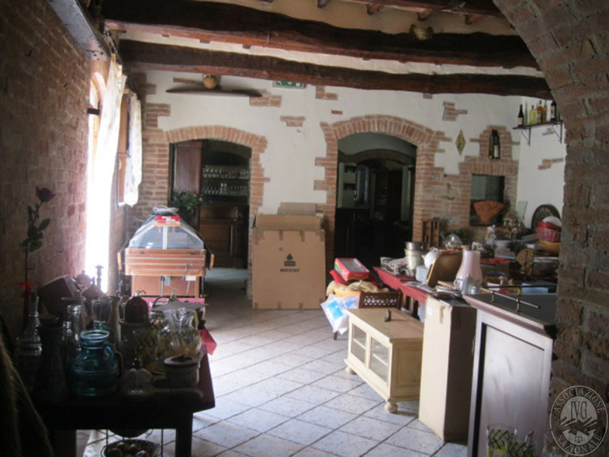 Locale commerciale a CASTELNUOVO BERARDENGA, via Paradiso - ex lotti 1 e 5+5a 7