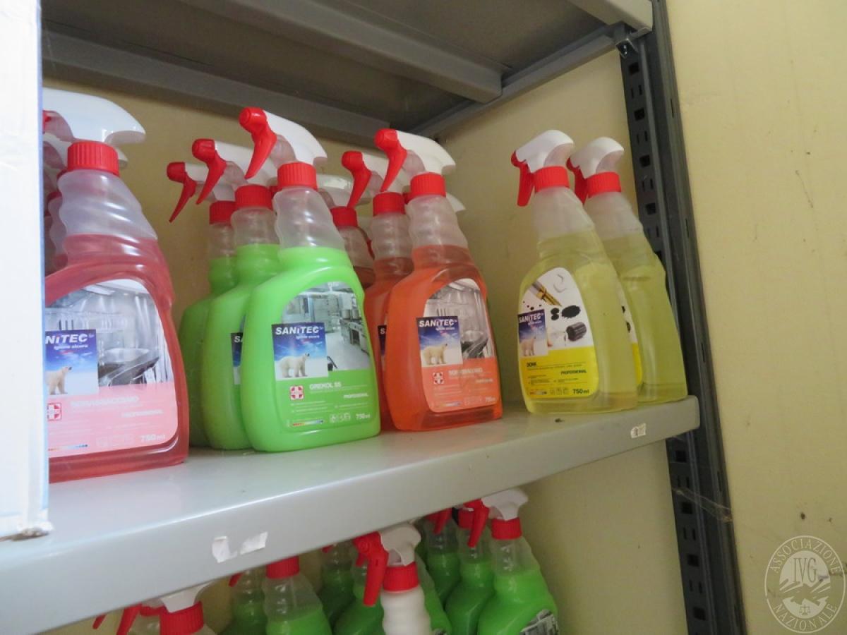 Attrezzature negozio + articoli per la pulizia, etc   VENDITA ONLINE 18