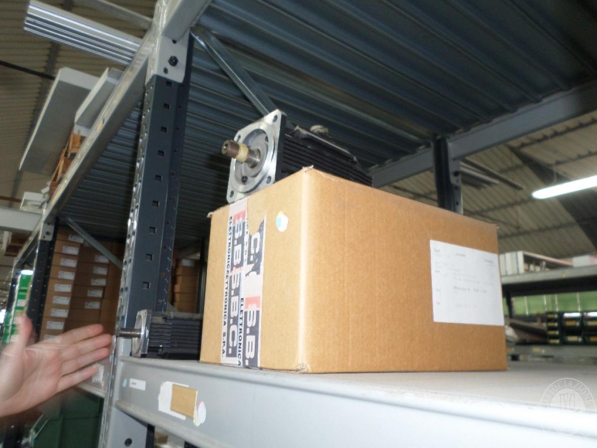 Importante magazzino componenti costruzione e ricambistica macchinari lavorazione legno 9