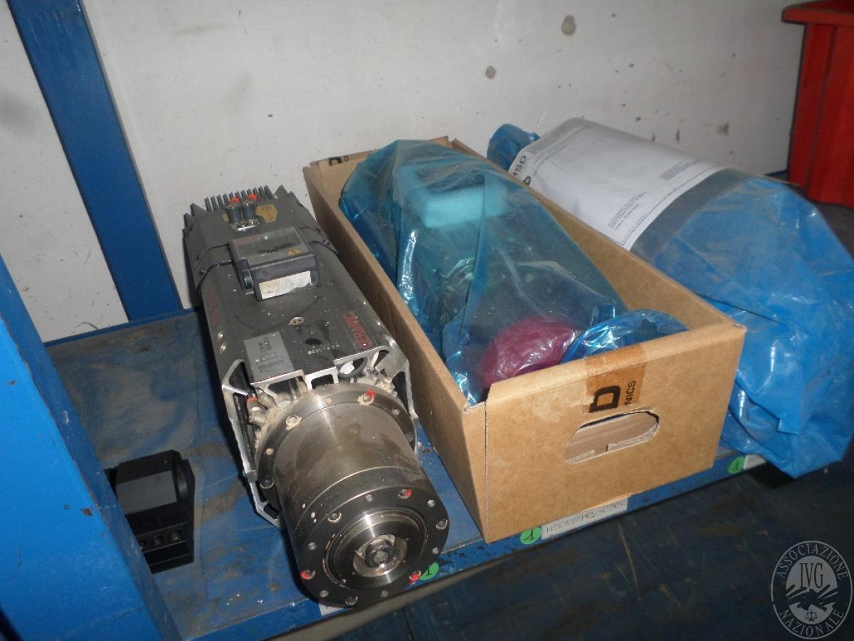 Importante magazzino componenti costruzione e ricambistica macchinari lavorazione legno 12