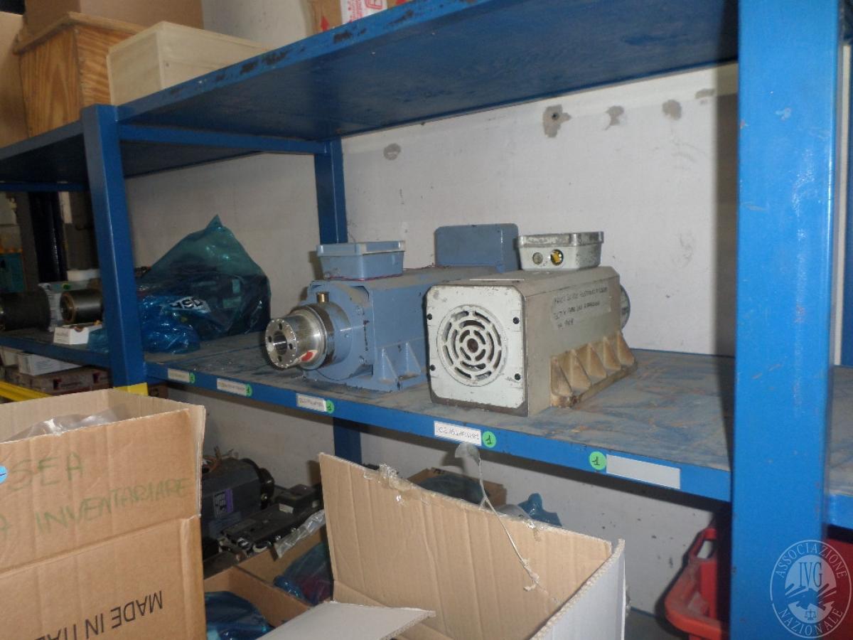 Importante magazzino componenti costruzione e ricambistica macchinari lavorazione legno 11