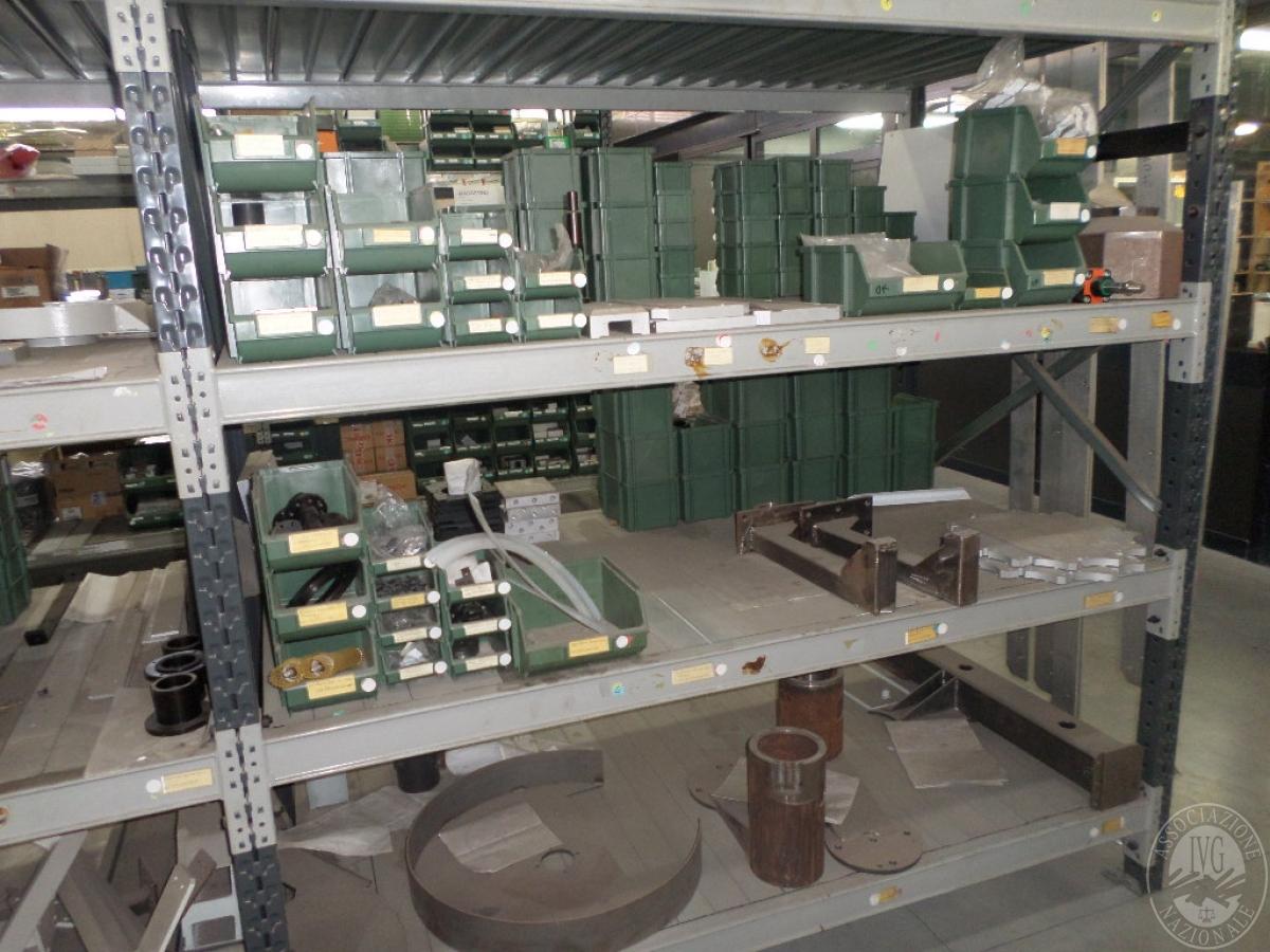 Importante magazzino componenti costruzione e ricambistica macchinari lavorazione legno 15