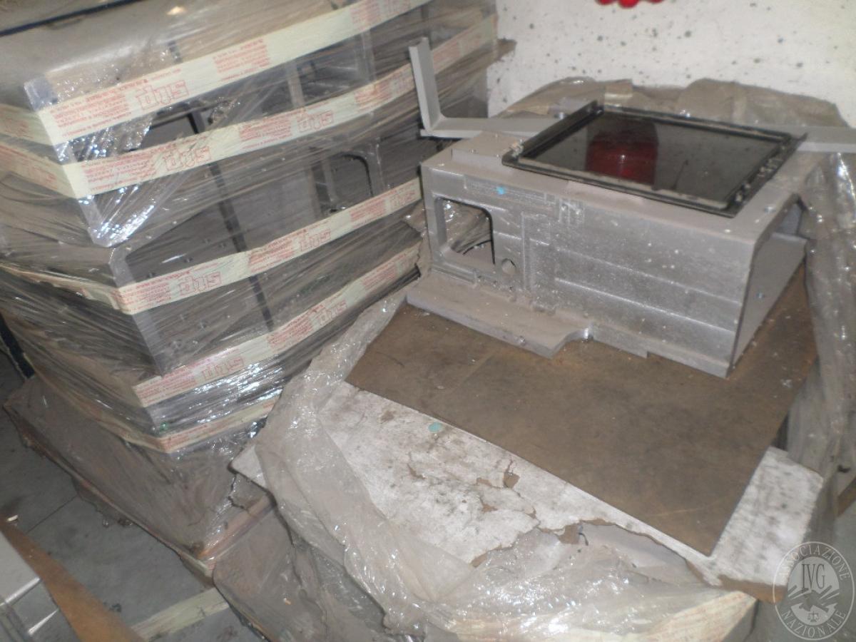 Importante magazzino componenti costruzione e ricambistica macchinari lavorazione legno 22