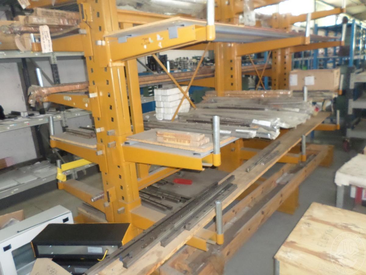 Importante magazzino componenti costruzione e ricambistica macchinari lavorazione legno 23