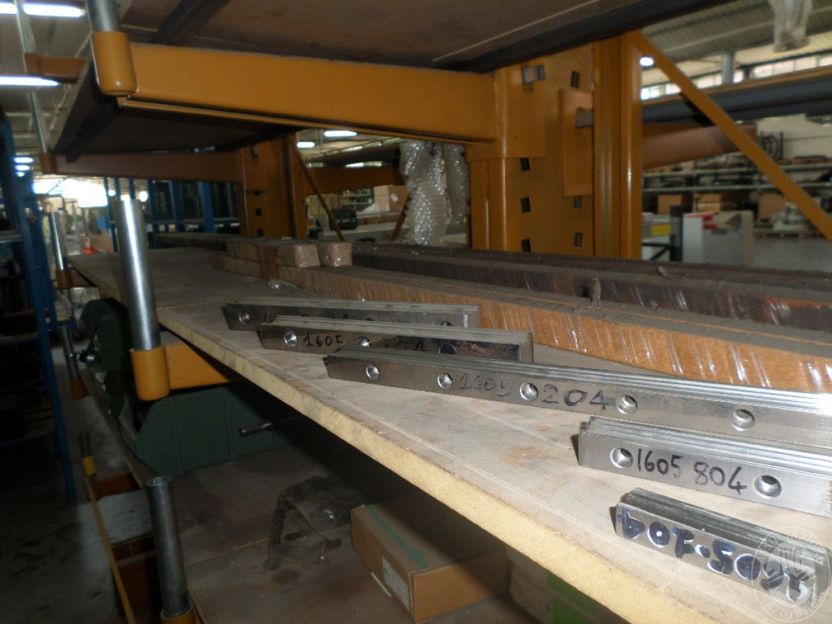 Importante magazzino componenti costruzione e ricambistica macchinari lavorazione legno 25