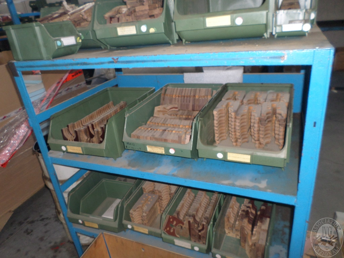 Importante magazzino componenti costruzione e ricambistica macchinari lavorazione legno 32
