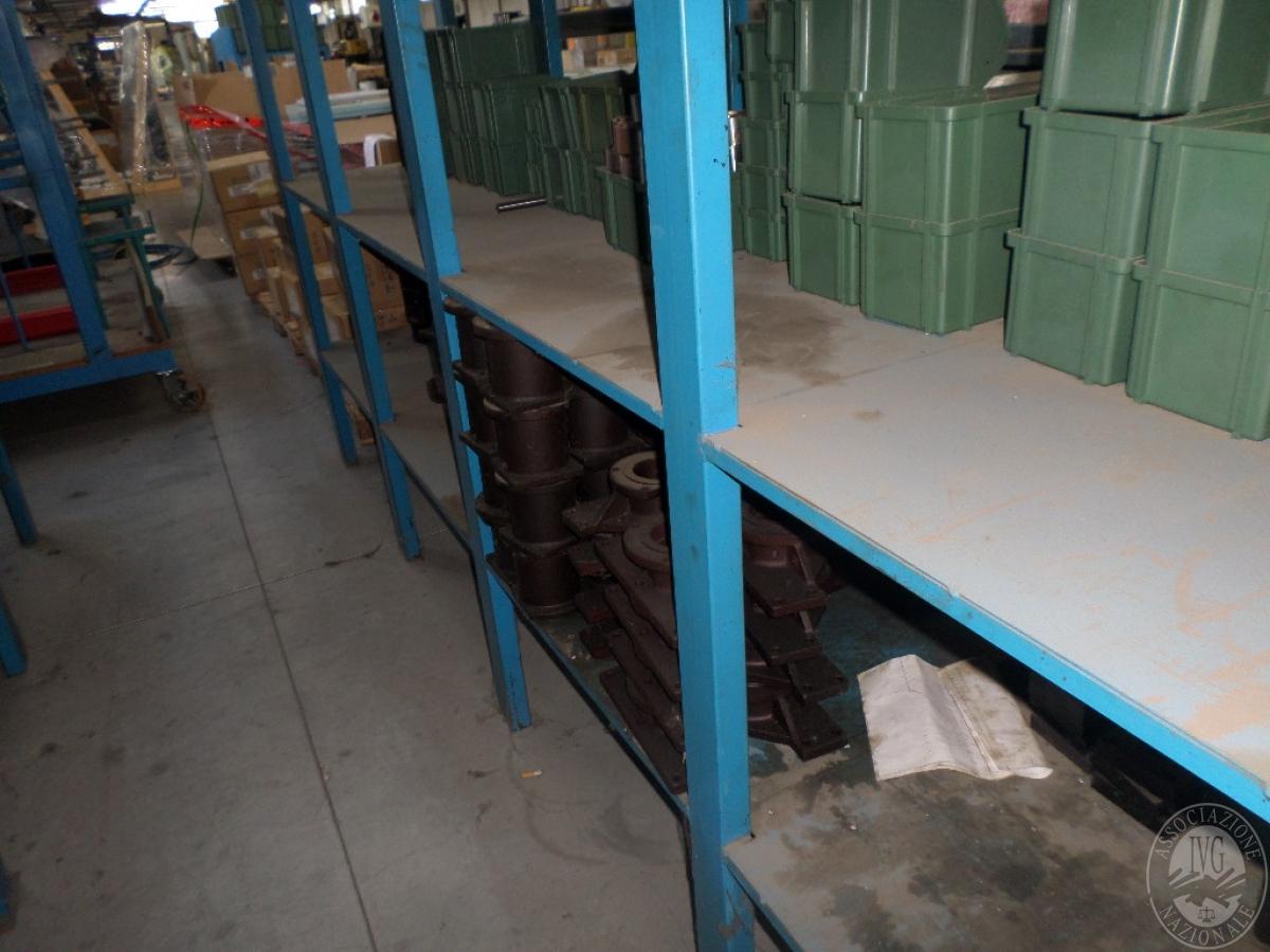 Importante magazzino componenti costruzione e ricambistica macchinari lavorazione legno 31