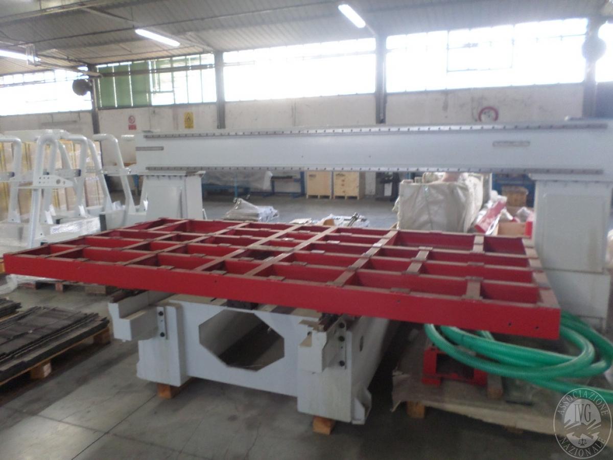 Importante magazzino componenti costruzione e ricambistica macchinari lavorazione legno 42