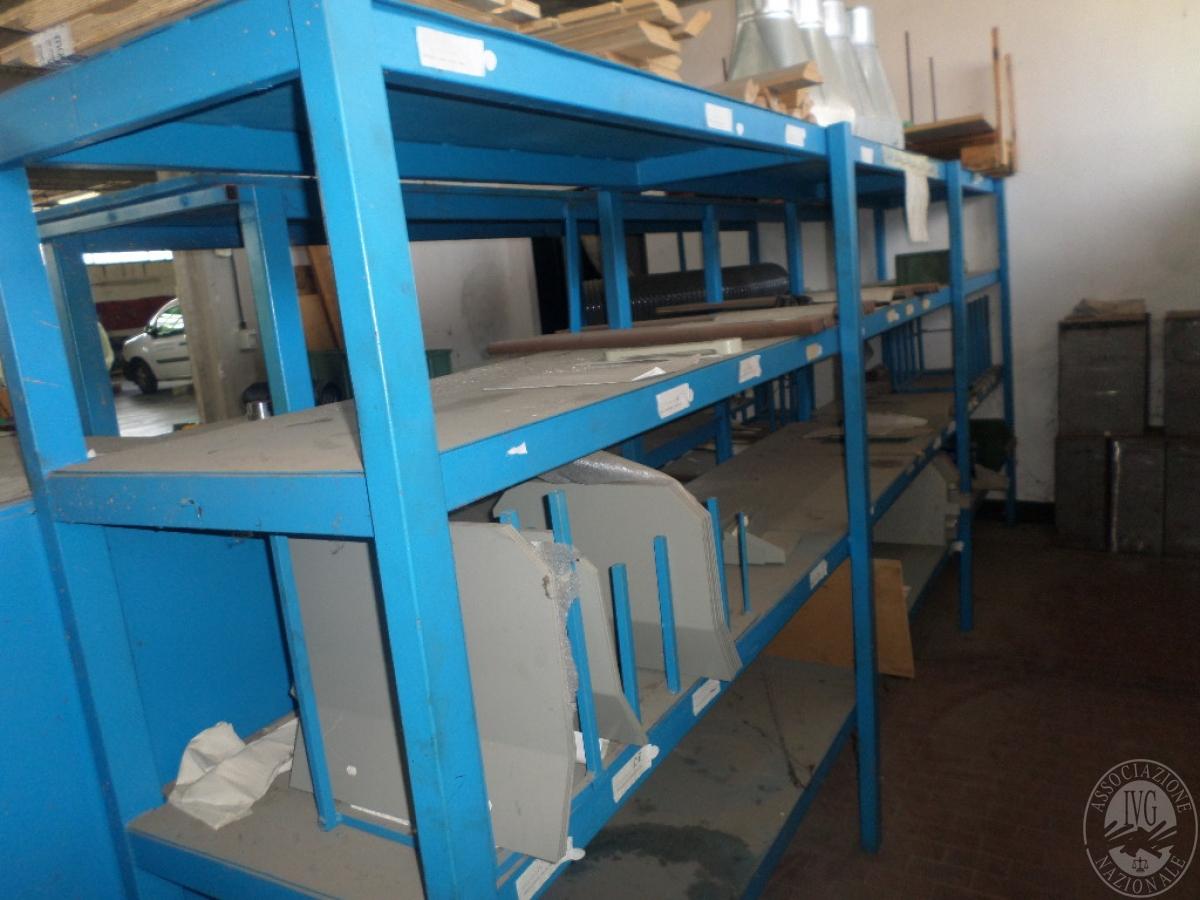 Importante magazzino componenti costruzione e ricambistica macchinari lavorazione legno 41