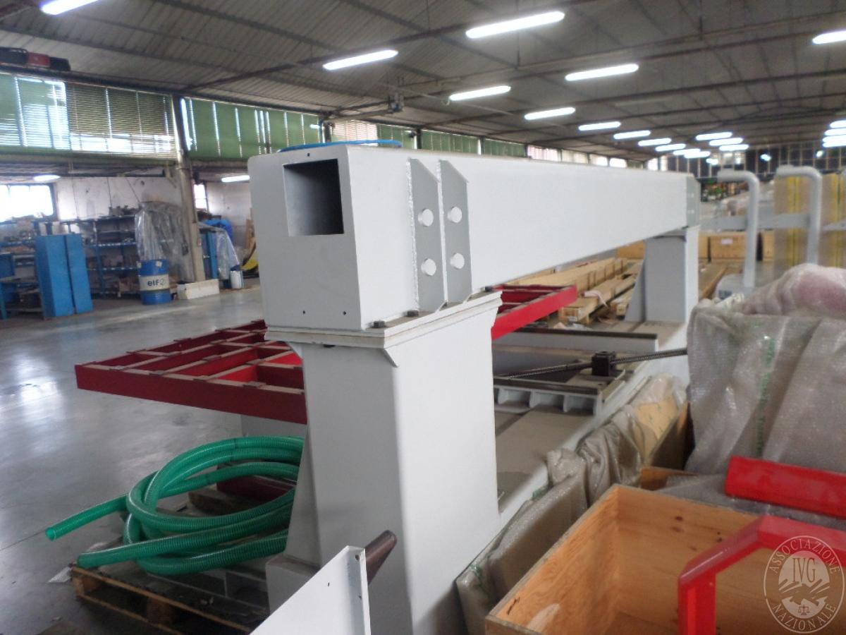 Importante magazzino componenti costruzione e ricambistica macchinari lavorazione legno 43