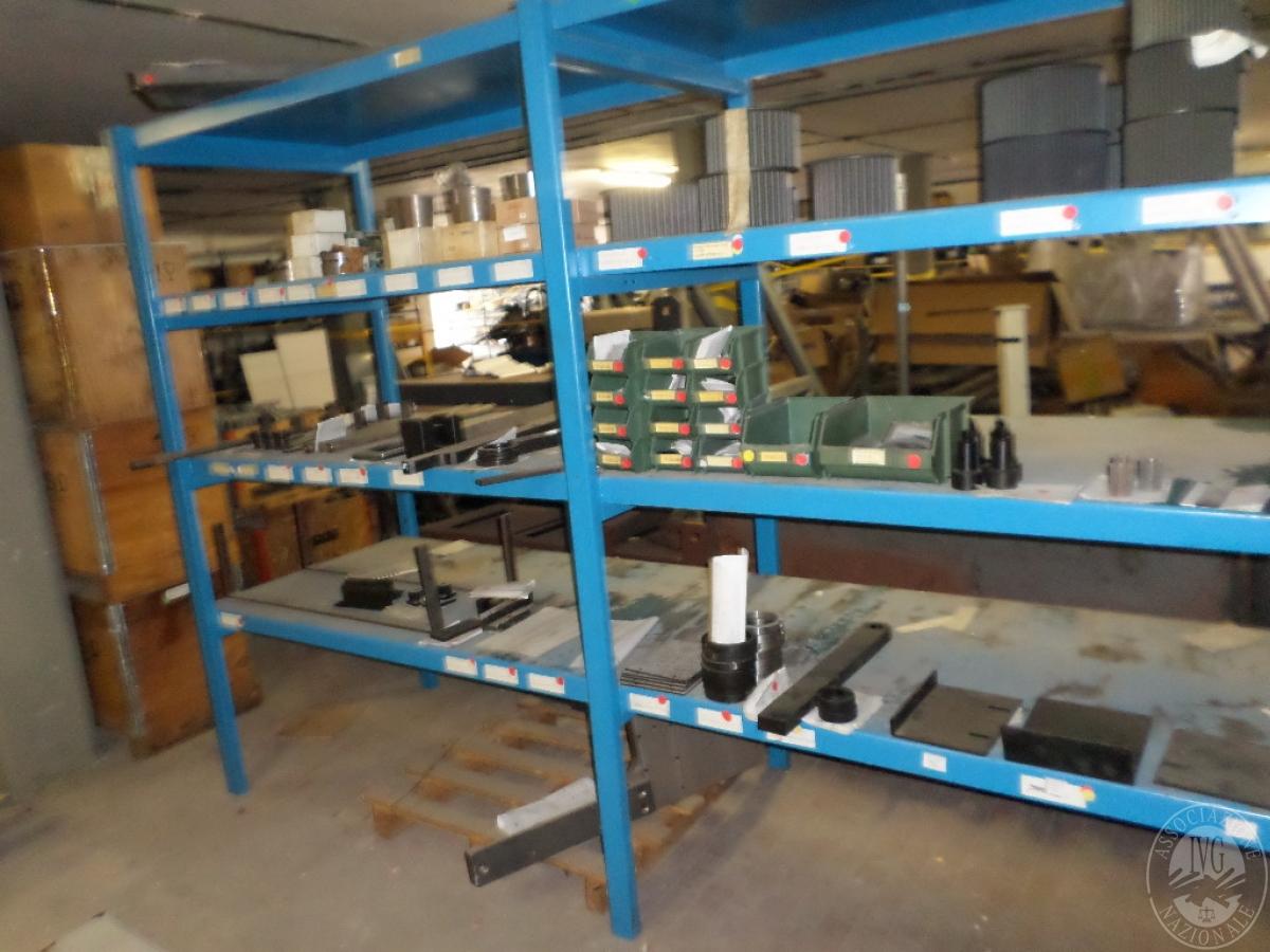 Importante magazzino componenti costruzione e ricambistica macchinari lavorazione legno 52
