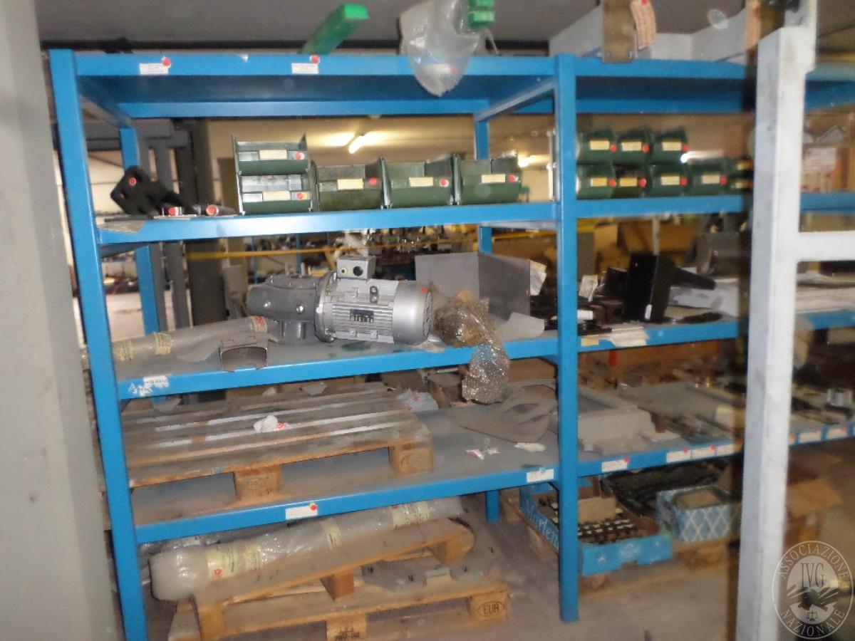Importante magazzino componenti costruzione e ricambistica macchinari lavorazione legno 51